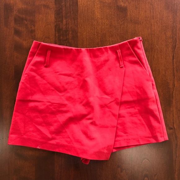 Zara Pants - Zara red envelope skort